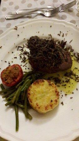 Camporoppolo, Italien: filetto al tartufo