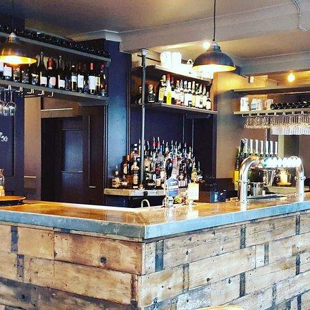 4Q Bar and Lounge