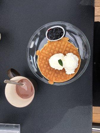 Laugarvatn, IJsland: Wafel met warme chocolademelk