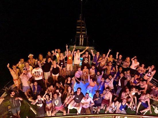 Oasis Bay Party Cruise - Halong Bay: photo1.jpg