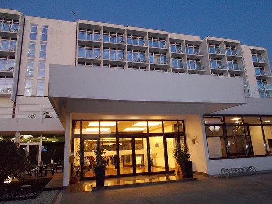 Hotel Beli Kamik: Das ist der Eingang des Haupthauses