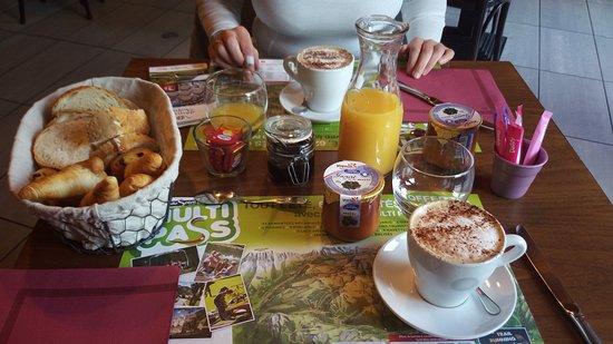 Seytroux, France: Colazione
