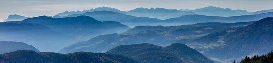 Laion, Italy: Aussicht auf die Brentagruppe südwestlich