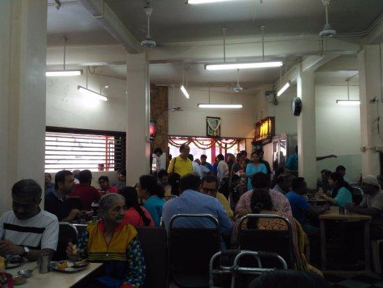 Ram Ashraya Restaurant: Interiors