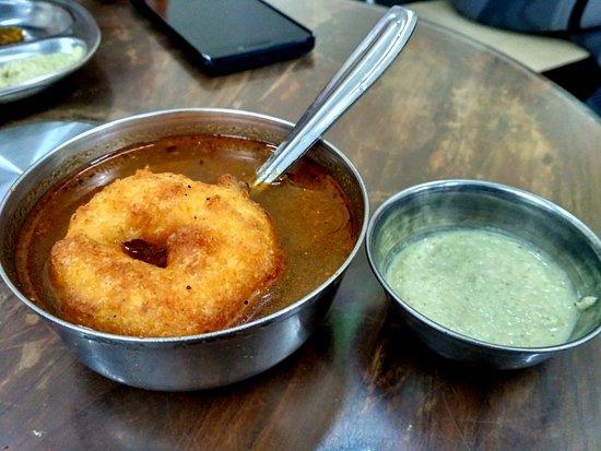 Ram Ashraya Restaurant: Rasam Wada