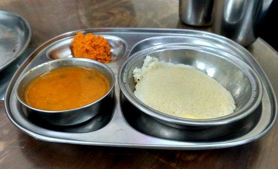 Ram Ashraya Restaurant: Butter Idli