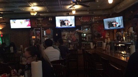 Clifton, NJ: local bar / restaurant