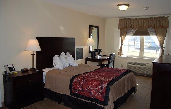 Towanda, PA: Queen Bedroom