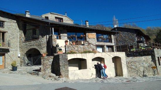 Campelles, Spain: Des del carrer