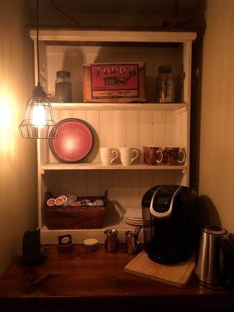 Miller Lake, Kanada: Second floor coffee station