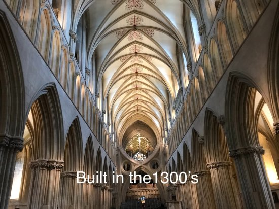 Wells Cathedral : Inside the Cathedral, it looks too modern to have had these scissor arches built in the 1300's