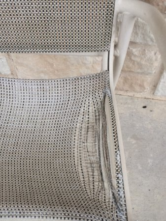 Comfort Inn & Suites Near Comanche Peak : One of many outside chairs