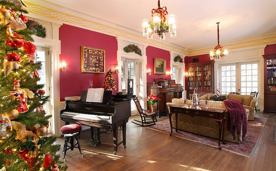 Chester Heights, PA: Living Room at Hamanassett