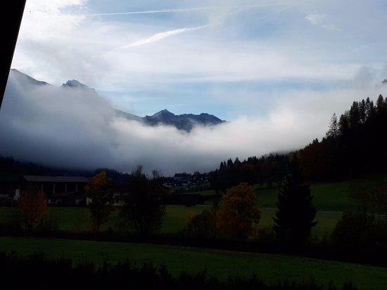 Radstadt, Áustria: Blick vom Balkon in Richtung Tauern