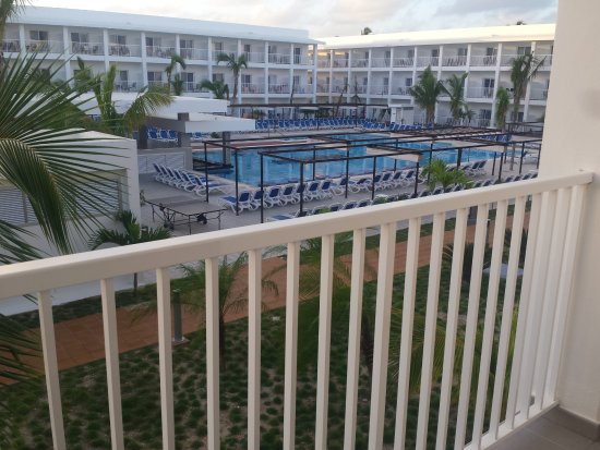 Habitaci n al lado piscina photo de clubhotel riu bambu for Habitacion familiar riu bambu