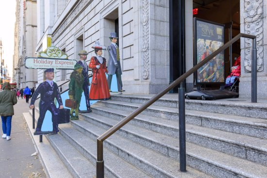 New-York Historical Society Museum & Library: Entrance