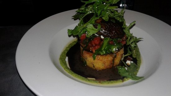 Centennial, Вайоминг: Grilled Portabella Over Polenta Cake/Salad