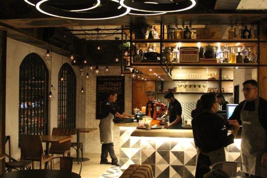 The Room Bar: Vista Do Bar