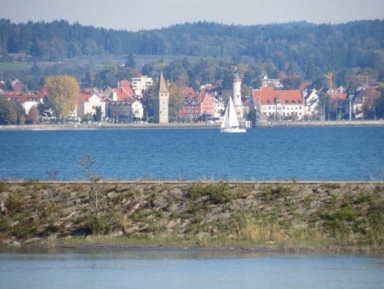 Hochst, Autriche : Rheinaue - view of Lindau harbour