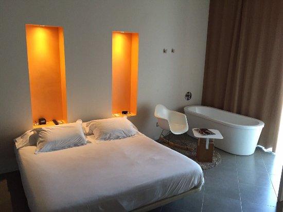 DoubleTree by Hilton Hotel Resort & Spa Reserva del Higueron : photo1.jpg
