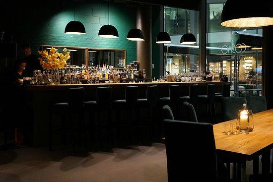 Cosmo bar