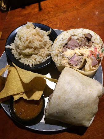 Charleston, Batı Virjinya: Black Sheep Burrito & Brews @ The Brewery