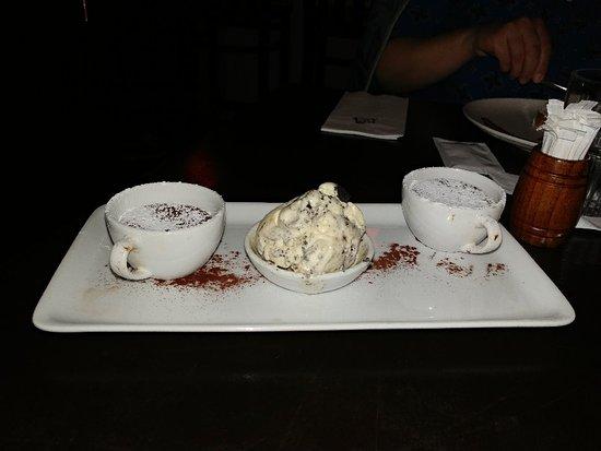 Dessert und türkischer Kaffee
