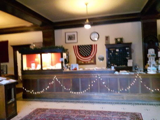 Union, OR: Front desk