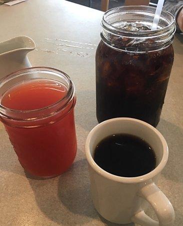 Auburn, CA: Drinks to start