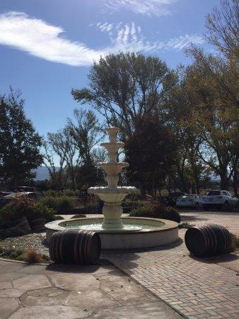 Santa Ynez, CA: Beautiful grounds