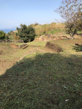 Parco Archeologico dei Tauriani: Novembre 2017