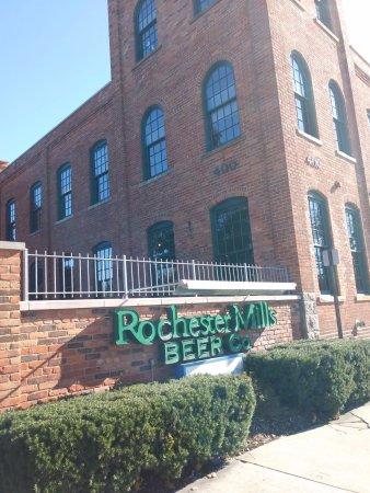 Rochester, MI: exterior