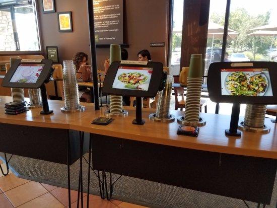 Elk Grove, Kalifornia: State of the art ordering kiosk - really cool.