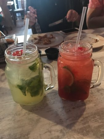 Hatillo, Пуэрто-Рико: Great mojitos, delicious appetizers and friendly service. I had the ribs which were meaty and te