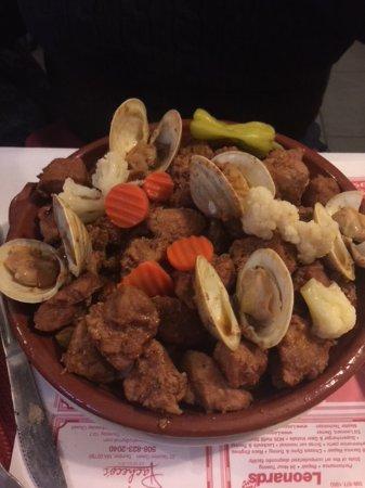 Taunton, MA: Pork n Clams Aletijana