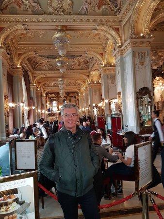 New York Cafe müthiş güzel....!