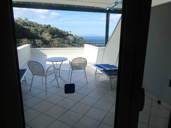 Best Western Hotel La Solara Sorrento: View from inside room showing terrace and view