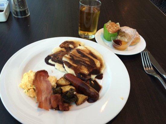 Straits Cafe: photo1.jpg
