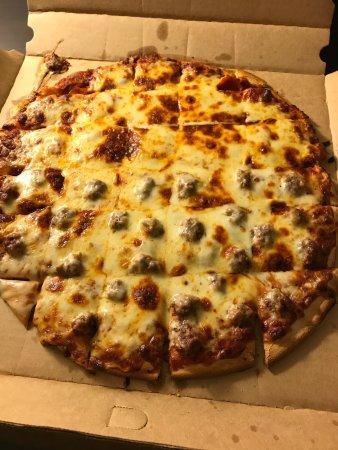Red's Savoy Pizza: photo1.jpg