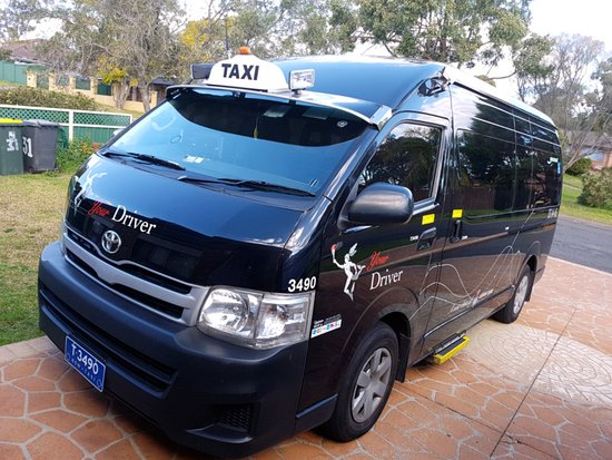 Rockdale, Australien: Best 11 seater vehicles in Sydney with free baby seat