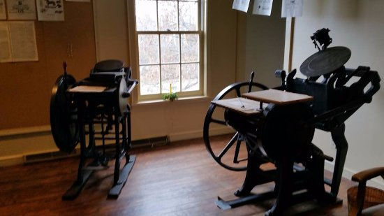 Coshocton, OH : An early printing press