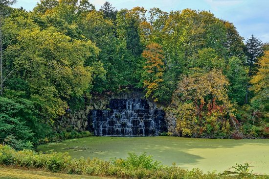 Duke Farms: The main waterfalls only run for a few minutes 3 or 4 times a day.