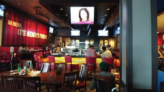 Норт-Майами, Флорида: bar with TV's