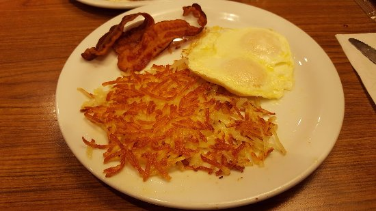 National City, Californië: Bacon, Hash Browns, & Eggs Cooked Perfectly
