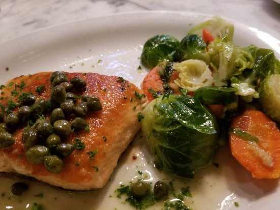 Sotto Mare Oysteria & Seafood: Salmon with Lemon and Capers and Steamed Veggies