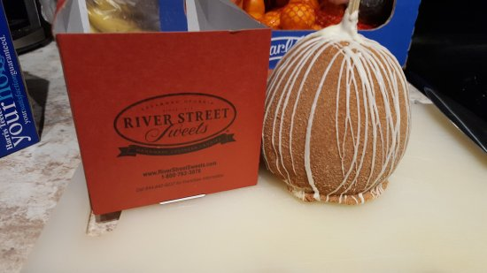 River Street Sweets: 20171112_203212_large.jpg