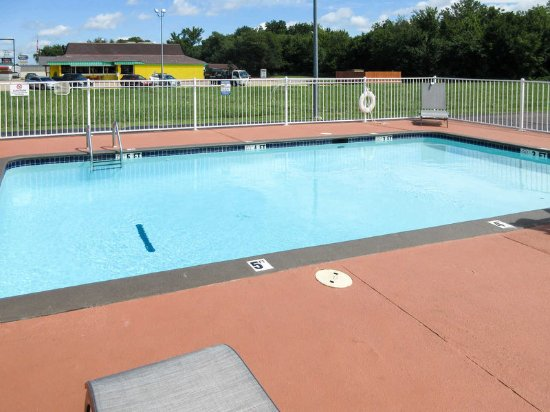 Glenpool, OK: Pool