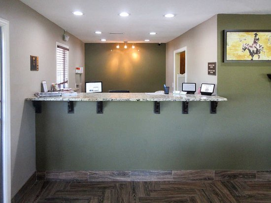 Glenpool, OK : Front Desk