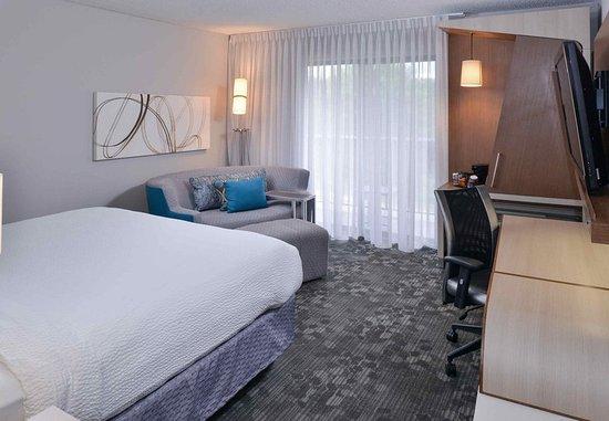 Suwanee, GA: King Guest Room