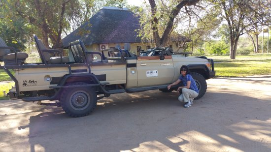 Senalala Luxury Safari Camp: Land Cruiser